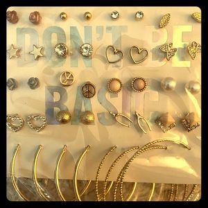 NWT - Don't Be Basic - Lot of Earrings